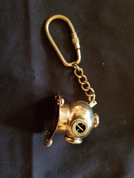 Key Ring 18 - Diver's Helmet
