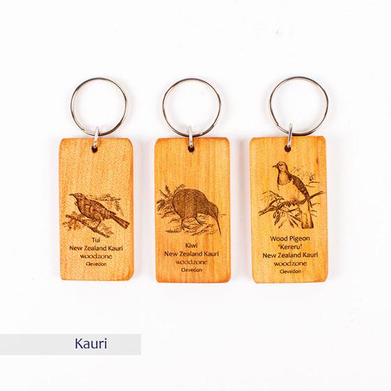key ring with engraved bird - kauri