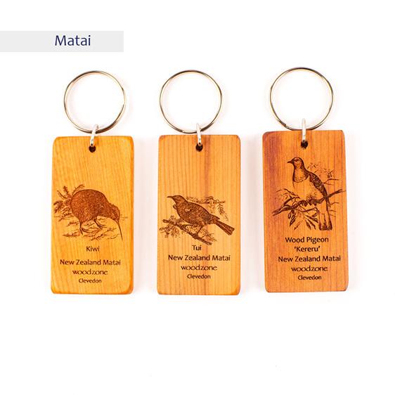 key rings with engraved birds - matai