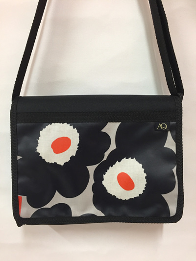Kiwa satchel - bold flower