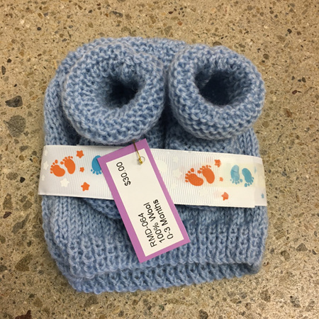 Knitted wool hat and bootee set 0-3 months - Blue