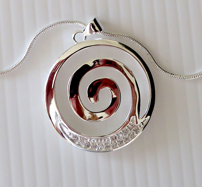 Koru pendant, silver plated X28