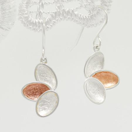 Kronblad earrings