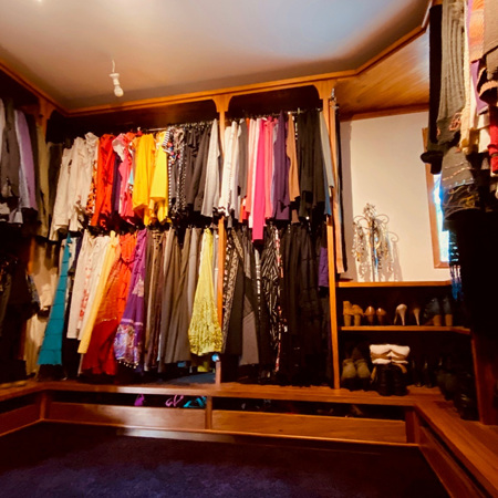 Lady Parlor - Walk in Wardrobe