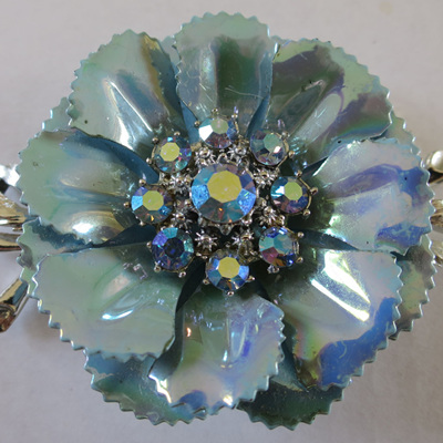 Large blue lustre flower brooch