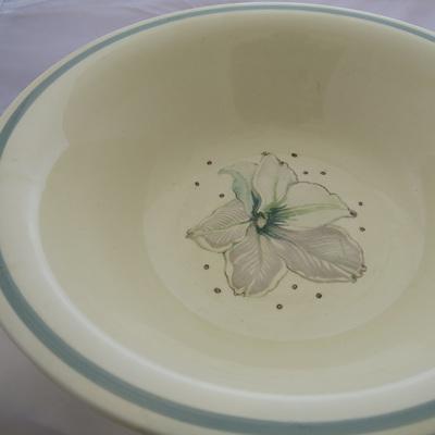 Large bowl Cream Lily Susie Cooper