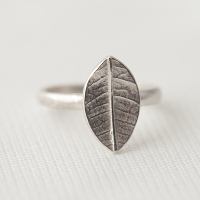 Large Leaf Ring