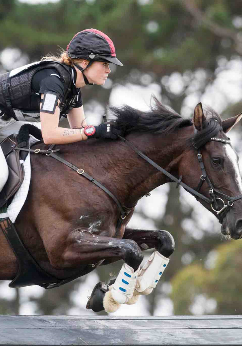 Lauren Alexander and Classic Indigo ('Indi') Competing in Cross-Country at Puhinui 3DE