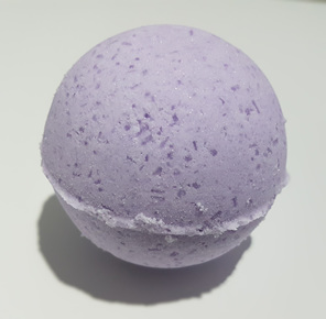 lavender magic bath bomb with pure essential oil