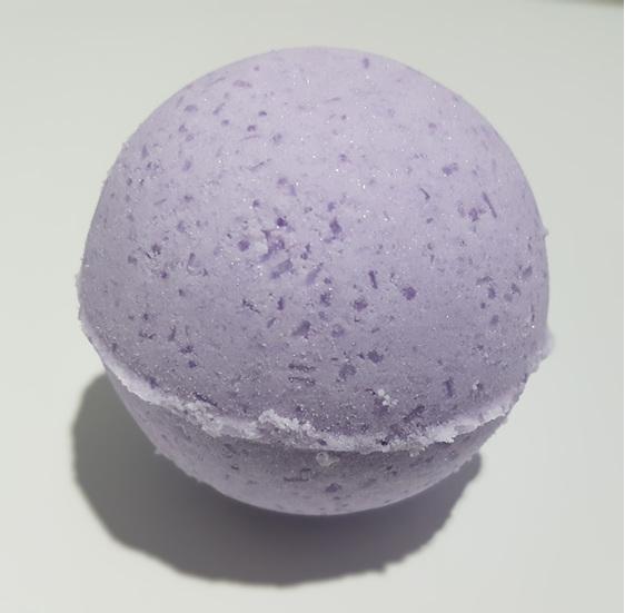 lavender magic bath bomb with pure essential oil