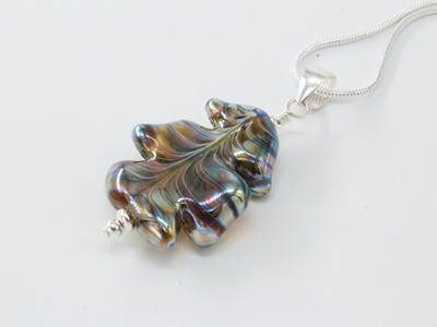 Leaf pendant - Gaia on clear