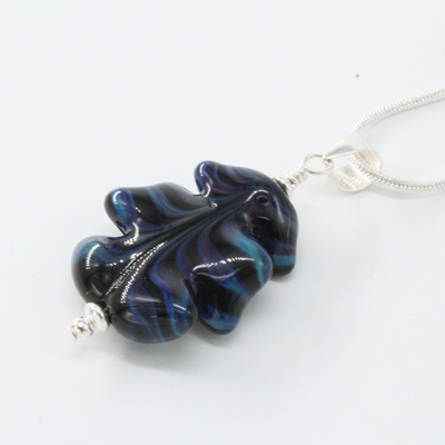 Leaf pendant - Terranova on black