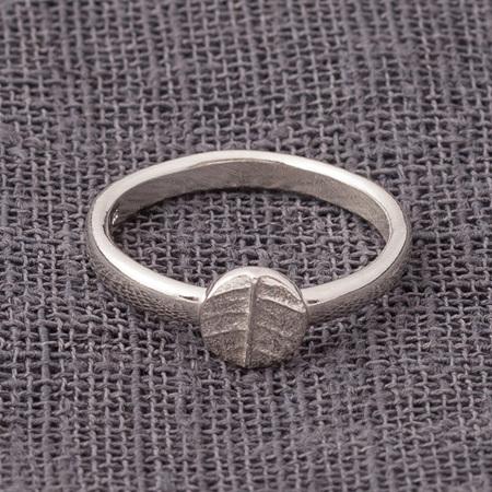 Leafy Dot Ring
