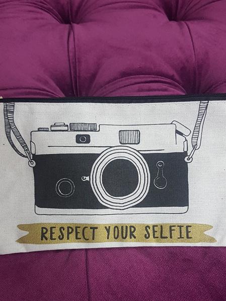 Lets Make Up Make Up Bag - Respect your selfie