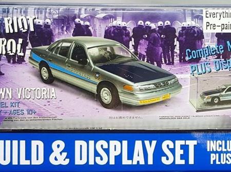 Lindberg 1/25 Ford Crown Victoria Police Riot Patrol (HL123/12)