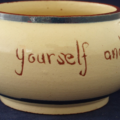"Little bowl ""Help yourself and don't be shy"""