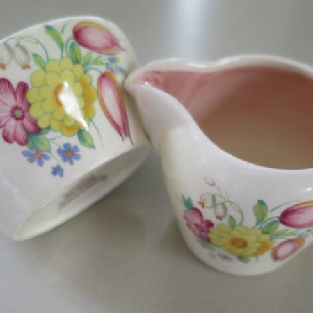 Little cream jug and sugar bowl in Susie Cooper Swansea Sprays