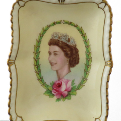 Little dish Commemorate Coronation 1953