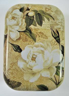 Little Vintage-Style Tin: Ivory Roses