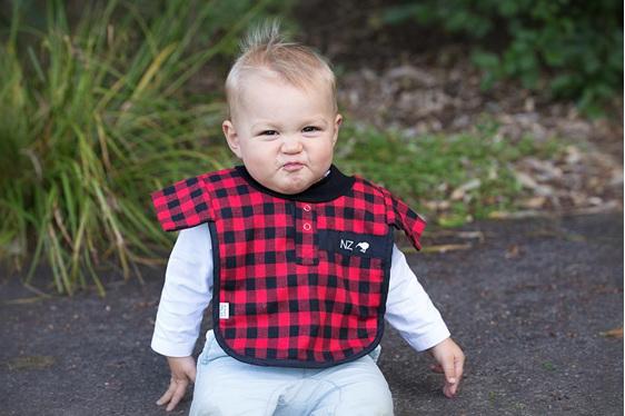 LP08 Baby Red bush shirt Bib