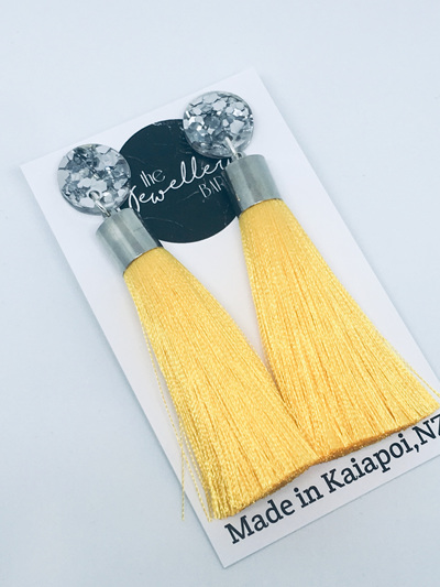Luxe long yellow tassel with silver