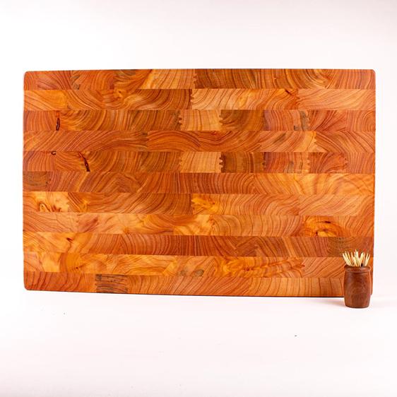 macrocarpa end grain board