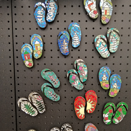 Magnetic Mosaic Pairs of Jandals