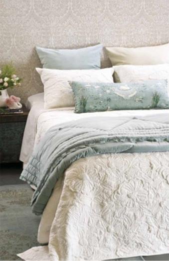 Magnolia Bedspread