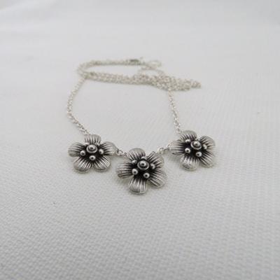 Manuka Blossom Necklace