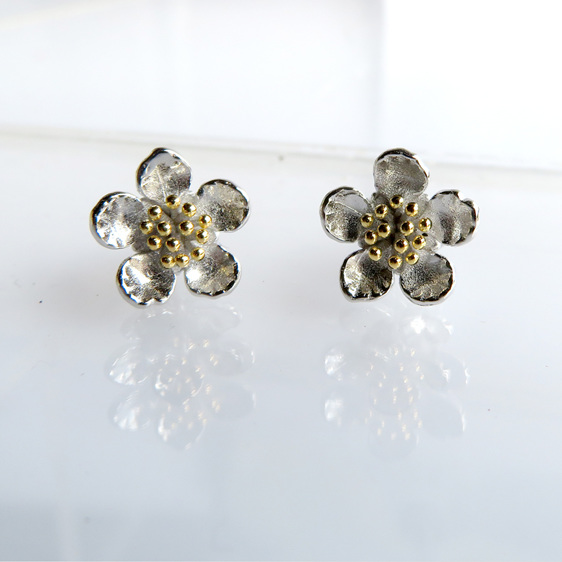 Manuka Stud earrings