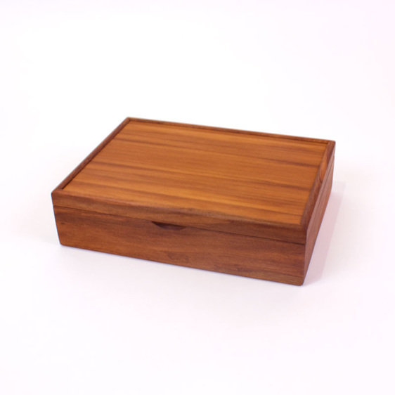 medium jewellery box closed