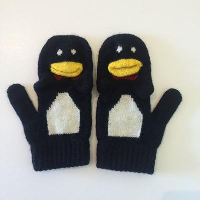 Merino Penguin Mitten