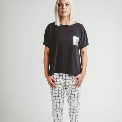 Mi Moso - Emma Tee w Sequin Pocket - Black
