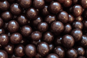 Milk Chocolate Macadamia Nuts 400g