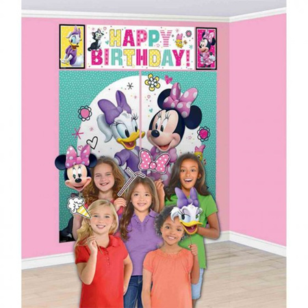 Minnie Mouse scene setter with props