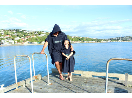 Moana Rd Towel Hoodie Kids Black