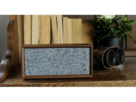 Moana Road Speaker Wireless Vintage Wooden