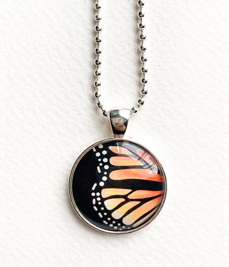 Monarch pendant necklace - silver