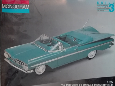 Monogram 1/25 59 Chevy Impala Convertible