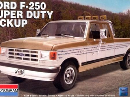 Monogram 1/24 Ford F-250 Super Duty Pickup Truck