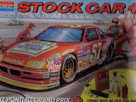 Monogram 1/24 Heinz Pontiac Grand Prix Stock Car + Kit