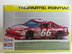 Monogram 1/24 Tropartic Pontiac Grand Prix