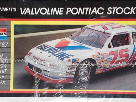 Monogram 1/24 Valvoline Pontiac Grand Prix Nascar