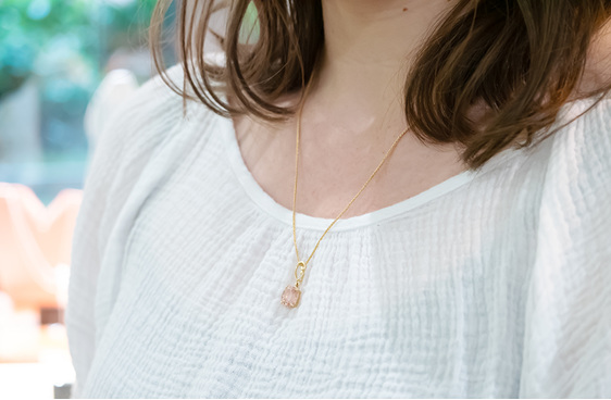 Morganite and 18ct yellow gold koru/swirl style pendant