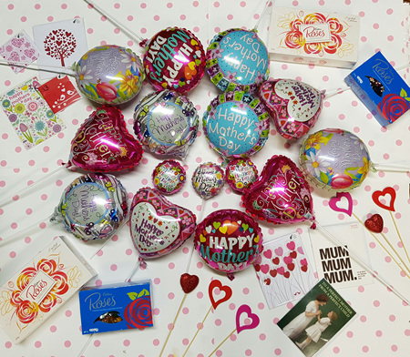 Mother's Day Balloons and accessories