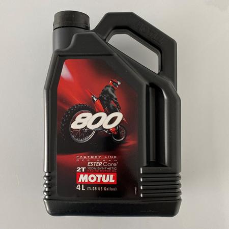 MOTUL 800 2T 4 LTR