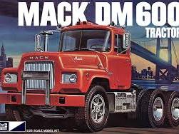 MPC 1/25 Mack DM600 Tractor