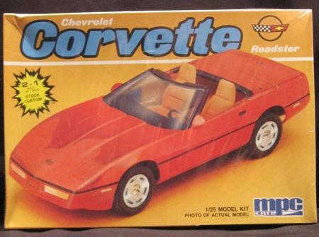 MPC 1/25 Chevrolet Corvette Roadster 2n1 (MPC6204)