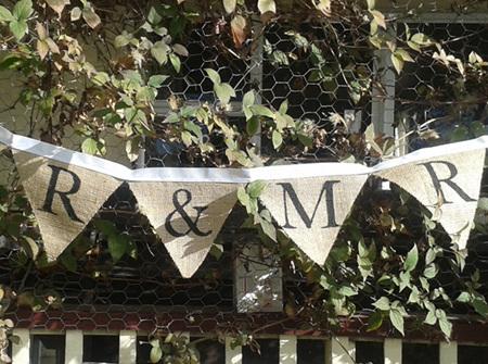 'Mr & Mrs' hessian bunting