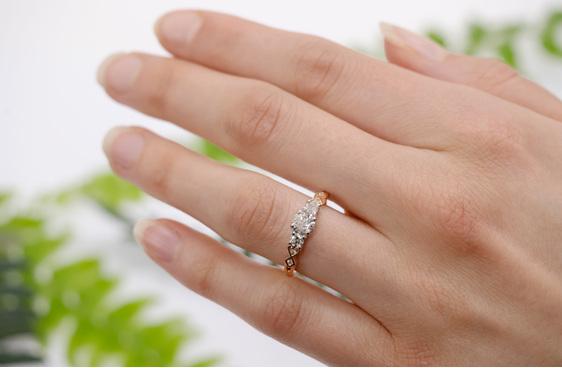 Narrative Baile Three Stone Diamond Ring